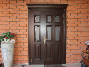 vhodnaya-dver-kak-chast-interera