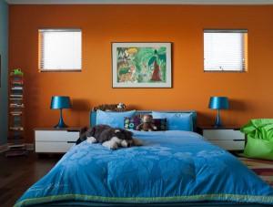 golubo-oranjeviy-interer