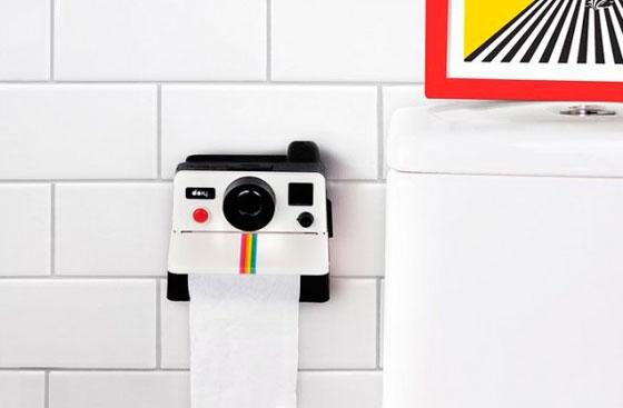 derjatel-dlya-tualetnoi-bumagi-foto